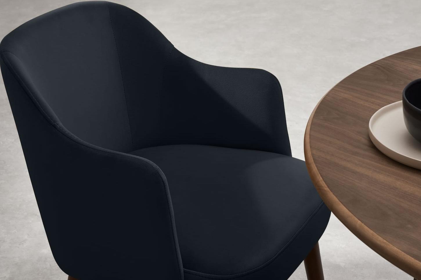 Sandalyeler masaya nasıl ayarlanır?